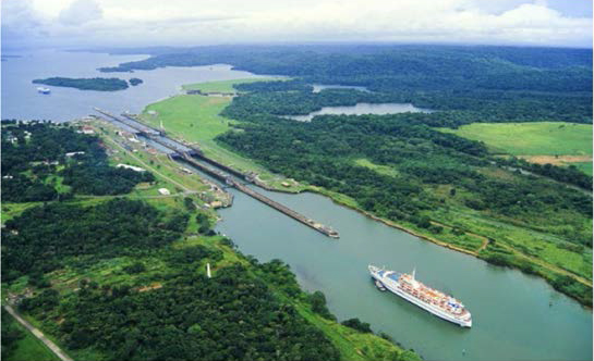 Image of Panama Canal for study and travel courses to Panama